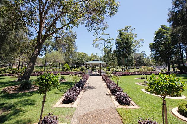 gazebo-gardens-3